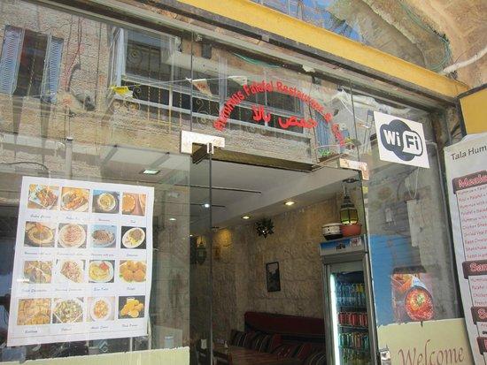 Tala Hummus and Falafel: The restaurant outside
