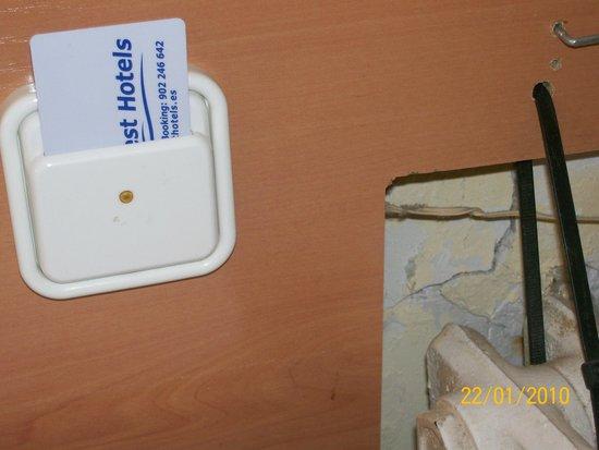 Hotel Best Cap Salou : radiateur arraché et non refixé