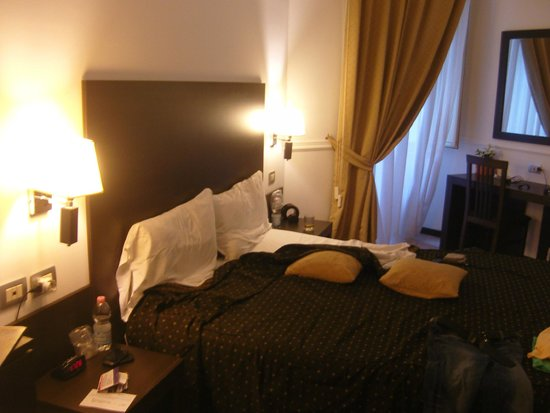 Roman Residence Inn: room