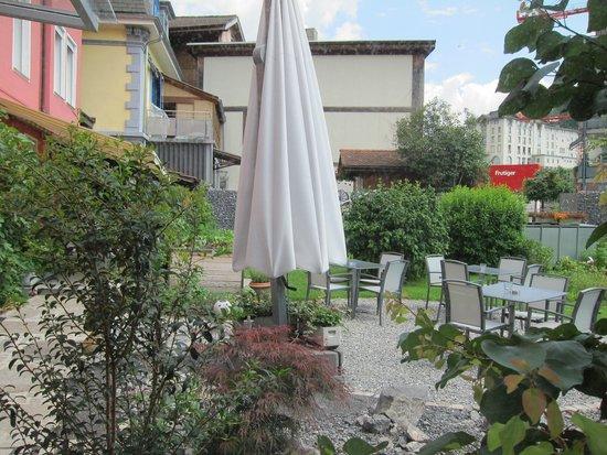 Hotel Derby: lovely garden