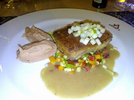 Restaurante Bel Posto: Lechona con puré,  sobre una base de verduras