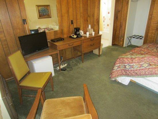 Sunset Motel: Room