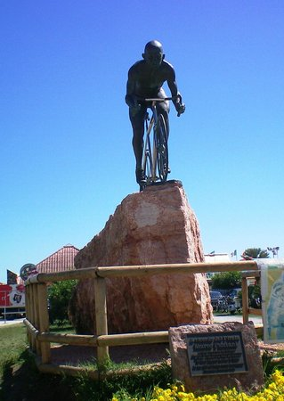 Club Family Hotel Executive: monumento a Marco Pantani