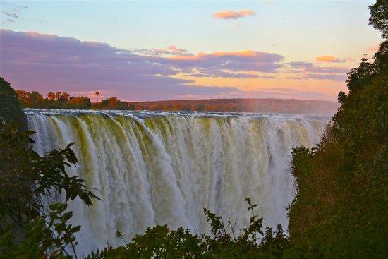 Mosi-oa-Tunya / Victoria Falls National Park: sunset at Victoria Falls