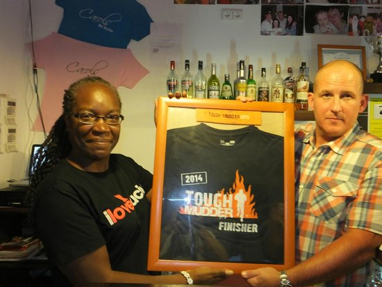 Sucina, İspanya: Presentation of  Tough Mudder T-Shirt to Louise by Grant Murray