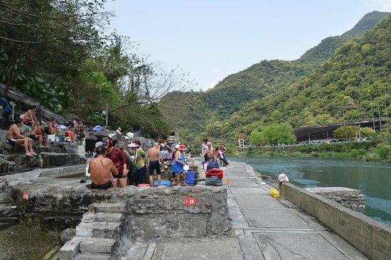 Wulai Falls: 烏来瀑布9