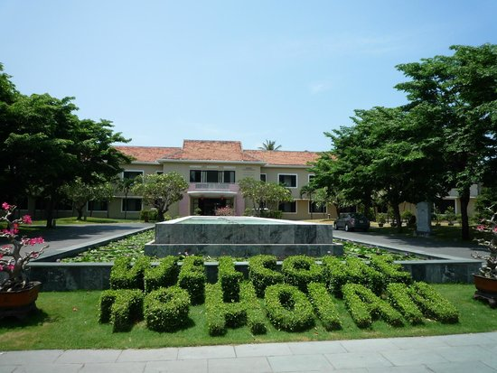 Hoi An Historic Hotel: Front Entrance