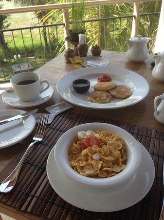 Anulekha Resort  and Villa : lots of delicious breakfast options!