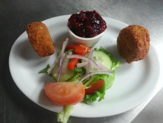 The Plaice Restaurant: Breaded Camembert Rounds