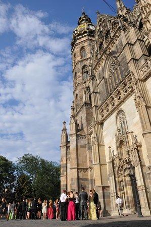 Catedral de Santa Isabel: Собор и свадьбы.