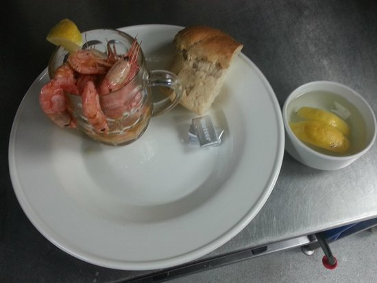 The Plaice Restaurant: Pint of Freshwater Prawns