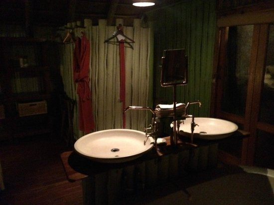 Jaci's Safari Lodge: Bathroom