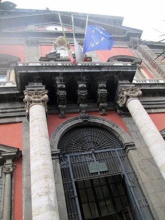 Musée archéologique national de Naples : Entrance: 博物館入口
