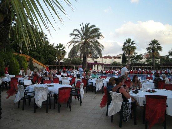 Side Star Elegance: soirée turque