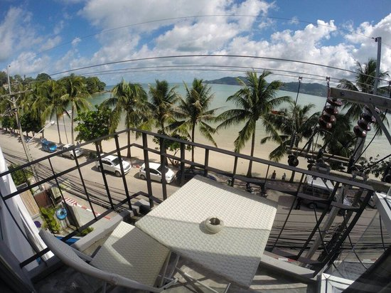 Patong Signature Boutique Hotel: Balcony