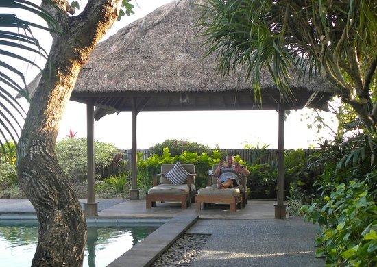 Angin Sepoi Resort : Bale on lower level