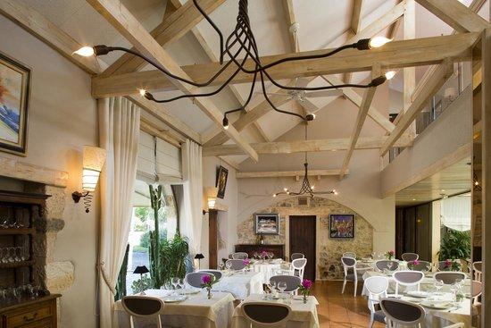 Le Relais de Farrou: Salle de restaurant
