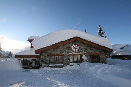 Hotel La Roz - pre-season...always snowsure