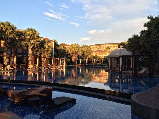 InterContinental Hua Hin Resort: Pool area