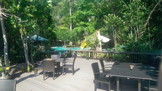 The Andaman, A Luxury Collection Resort: The beach/pool dining area, beach is directly behind this
