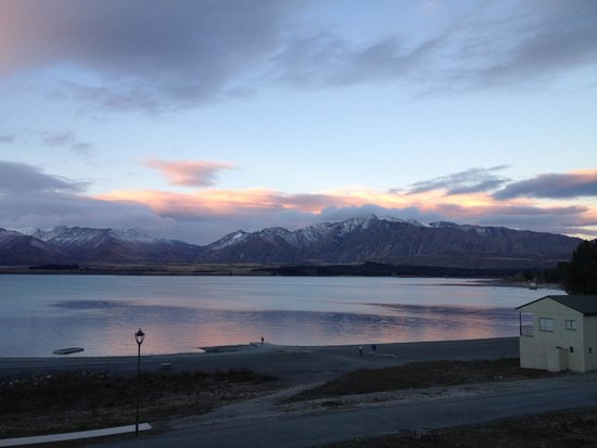 Lake Tekapo Motels & Holiday Park: The view from ensuite cabin number 2!
