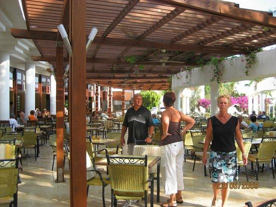 Hotel Samara : terrasse pour les repas
