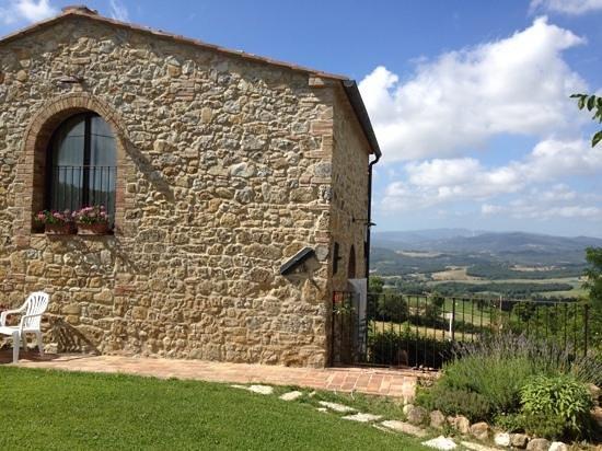 Casa Podere Monti : Villa Noce and garden. view across road
