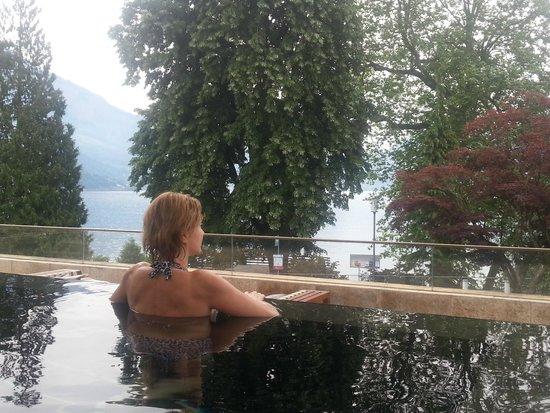Park Weggis: Приятно начинать день в бассейне