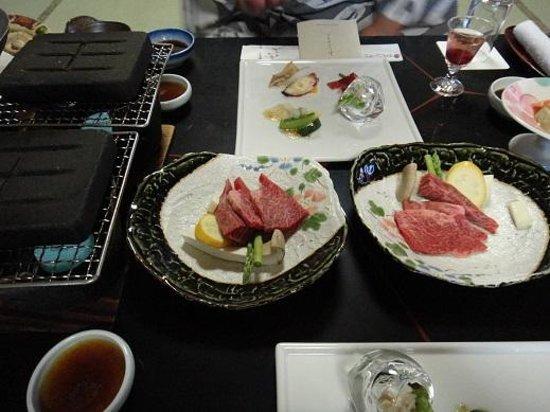 Hotel New Awaji : 夕食(淡路牛の石焼き)