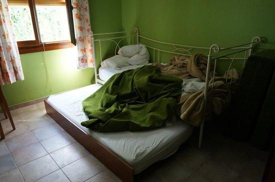 Apartamentos Gravina: Странная кровать в 2-х уровнях