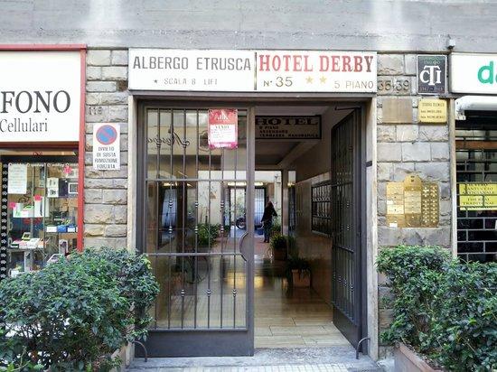Hotel Cantoria: entrance