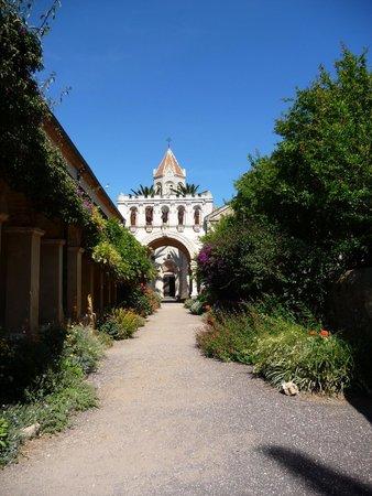 Ile Saint-Honorat: Monastere