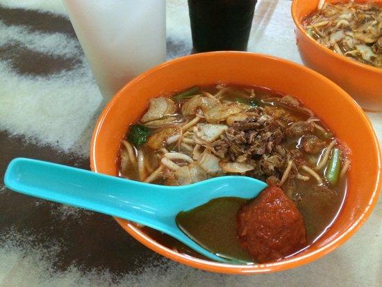 G Hotel Gurney: Penang prawn mee in Pulau Tikus RM3.50 per bowl