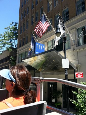 TRYP New York City Times Square South : Insegna