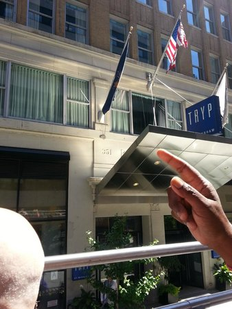 TRYP HOTEL NYC - Times Square South by Wyndham: Insegna Tryp