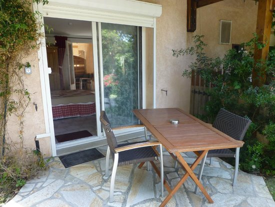 Meria, France: Terrasse de la chambre Hortensia