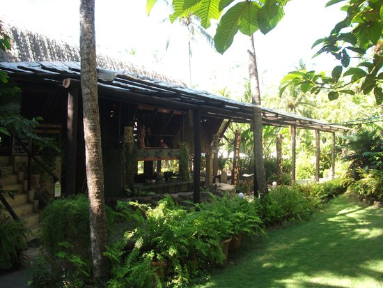 Ylang Ylang Beach Resort: Bar