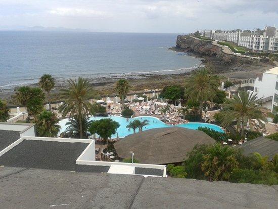 Gran Castillo Tagoro Family & Fun Playa Blanca: Vista piscina principal