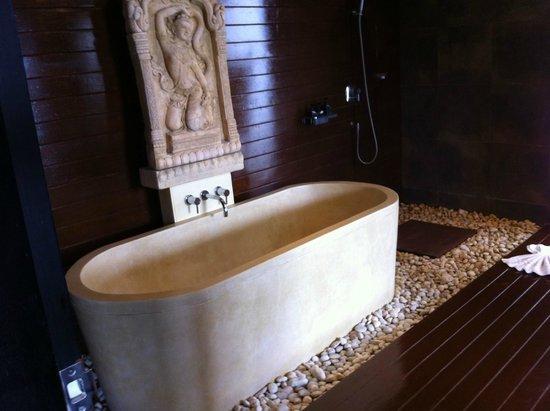 Mantra Samui Resort: Bath room 1