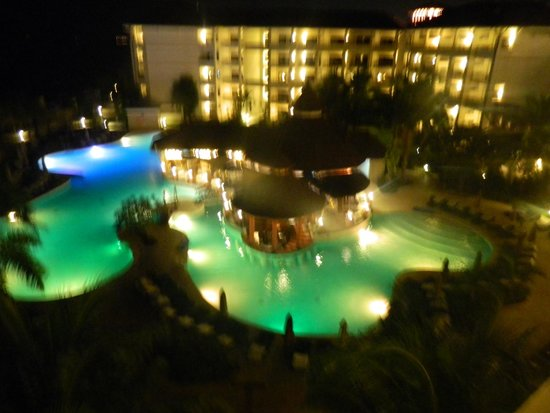 Secrets Wild Orchid Montego Bay: wild orchid pool and restuarant