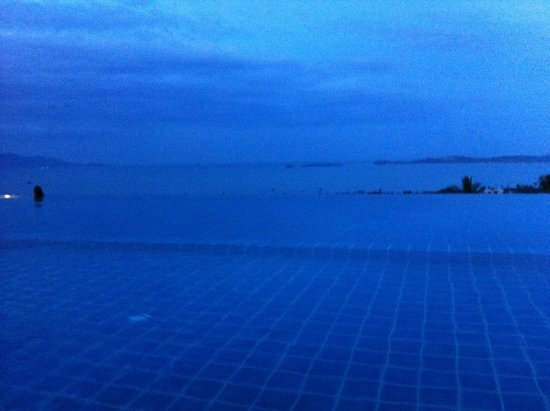 Mantra Samui Resort : Infinity pool