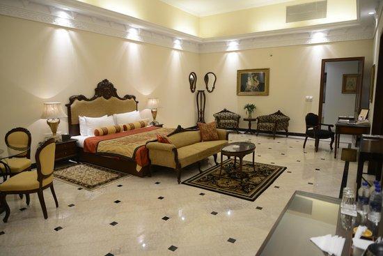 The Lalit Laxmi Vilas Palace Udaipur: Maharani Suite