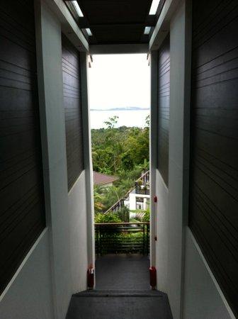 Mantra Samui Resort : Stairwell