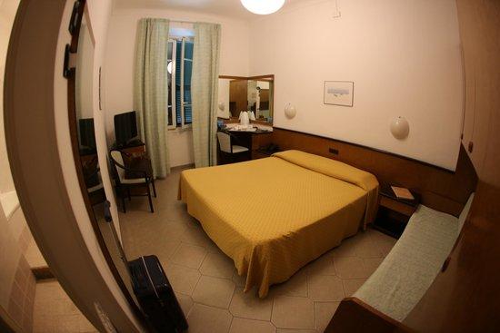 Hotel Lamberti: Camera