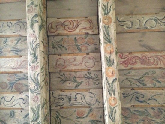 Hotel U Tri Pstrosu (At the Three Ostriches): Old painted ceiling