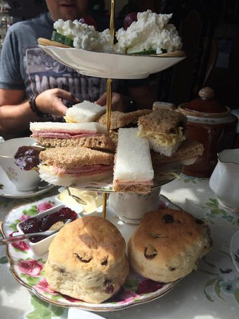 Madhatters Tearoom: Lush afternoon tea!