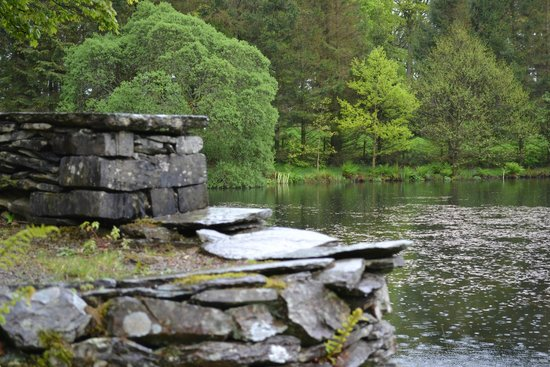 Linthwaite House: A walk in the grounds