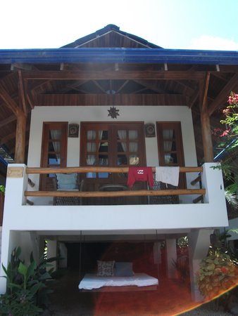 Blue Surf Sanctuary: Bungalow