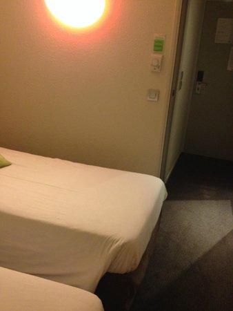 Campanile Paris Ouest - Gennevilliers Barbanniers : Bedroom