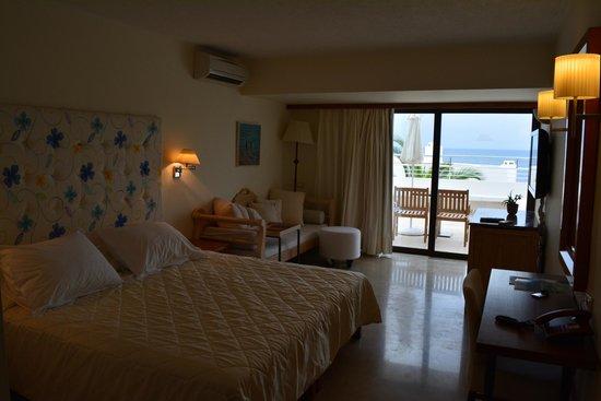 St. Nicolas Bay Resort Hotel & Villas: Unser wunderschönes Zimmer